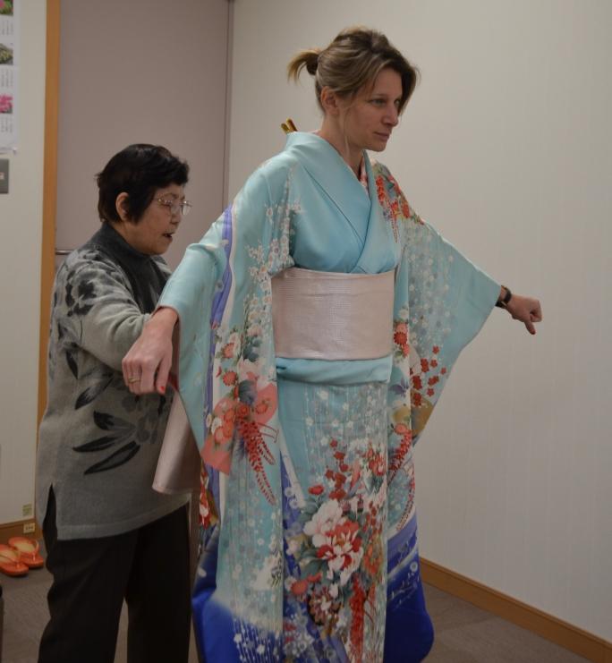 hoe draag je een Japanse kimono?